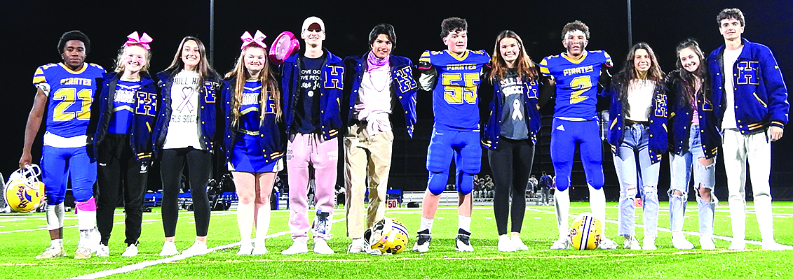 hull high school homecoming court students standing together on field
